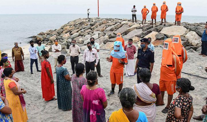 Tamil Nadu और Kerala के तट से आज टकराएगा चक्रवाती तूफान