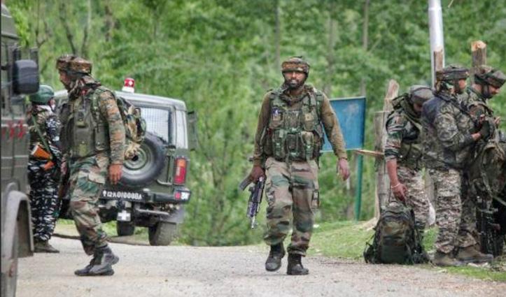 Srinagar : नाके पर सुरक्षाबलों को चकमा देकर भाग निकले कार सवार संदिग्ध आतंकी, इलाके में High Alert