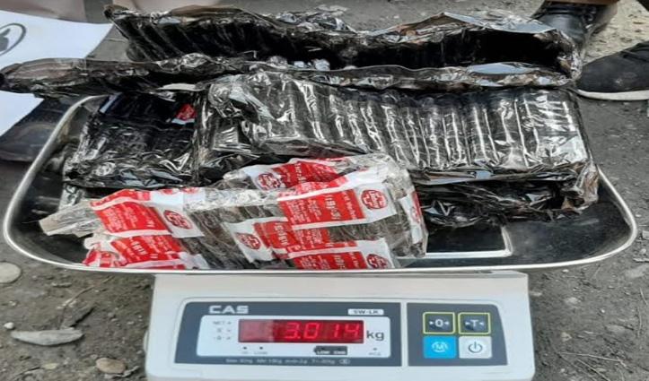 Kullu: बंजार पुलिस ने वाहन सवार से पकड़ी तीन किलो से ज्यादा #Charas, आरोपी गिरफ्तार