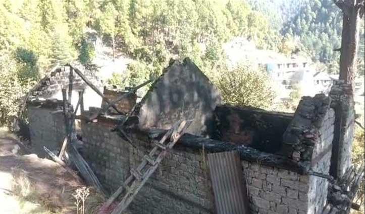 #Mandi: एक ही समय पांच गौशालाएं जलकर राख, अज्ञात लोगों के खिलाफ मामला दर्ज