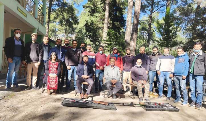 Forest Guards ने जानी वन्यजीवों को काबू करने की कला, ट्रैंक्विलाइज़ेशन उपकरणों की दी जानकारी