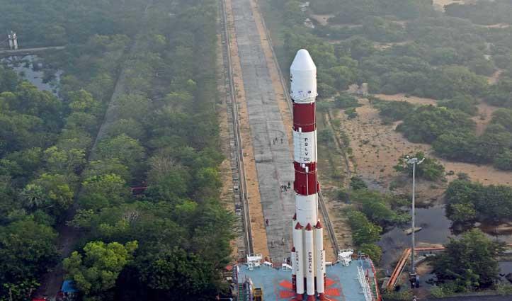 अंतरिक्ष में #ISRO ने फिर रचा इतिहास, संचार उपग्रह CMS-01 किया लॉन्च