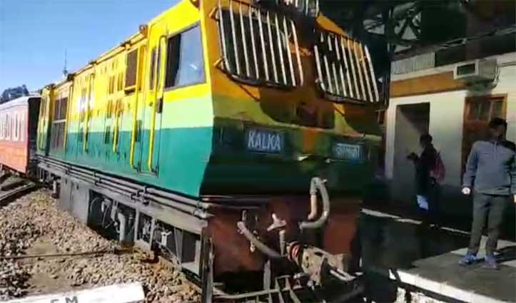 #Kalka_Shimla_Heritage_rail_line पर नौ माह के बाद दौड़ी #Vistadome_coach