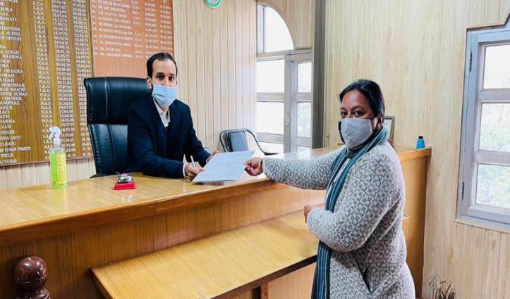 पंडित बालकृष्ण परिवार कांगड़ा नगर परिषद के वार्ड नौ में निर्विरोध,  Renu के मुकाबले कोई नहीं