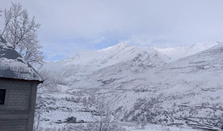 #HPWeather: बर्फ से सफेद हुए पहाड़, निचले इलाकों में शीतलहर