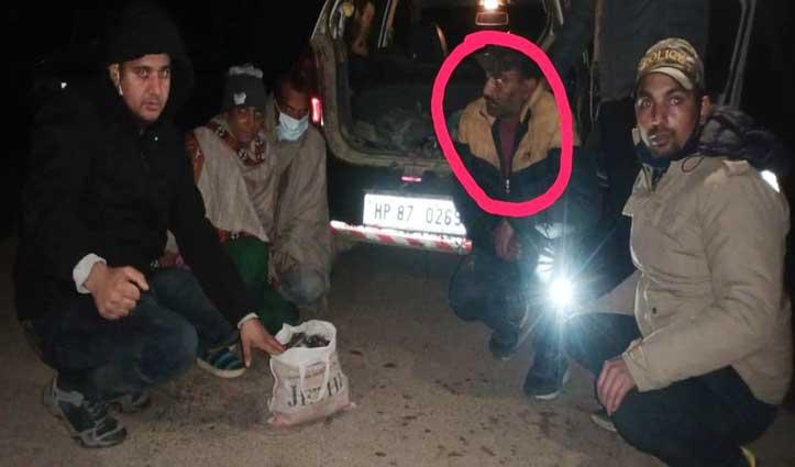 बल्ह पुलिस ने कार से बरामद की 4.40  किलो Charas, थुनाग निवासी Attest