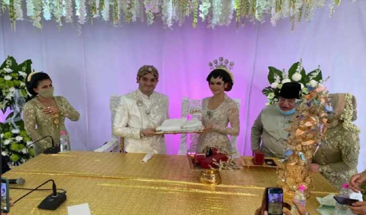 शादी में सिर्फ 20 को बुलाने की थी इजाजत, बिना नियम तोड़े इस कपल ने बुलाए 10 हजार Guest, जानिए कैसे