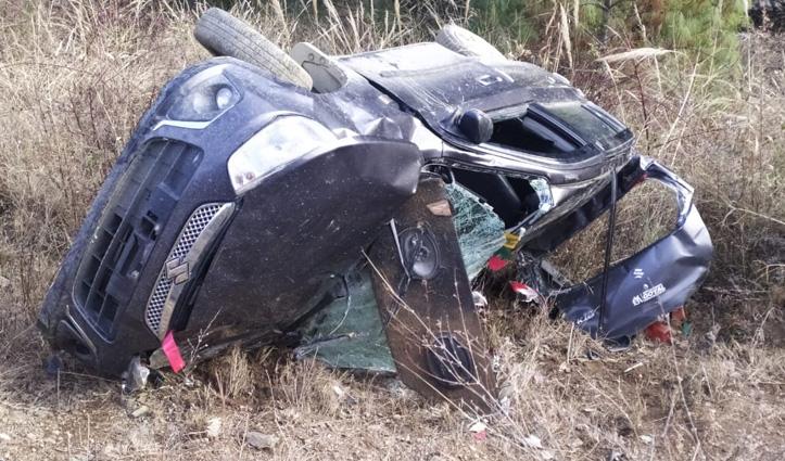 Shimla: मतियाना में खाई में गिरी Car, कोटखाई में टैंपो लुढ़का, दो की गई जान- 12 घायल