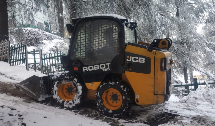 Shimla: बर्फबारी से 91 सड़कें रहीं बंद, 540 रूट बाधित- सड़कों पर जाम हुआ आम