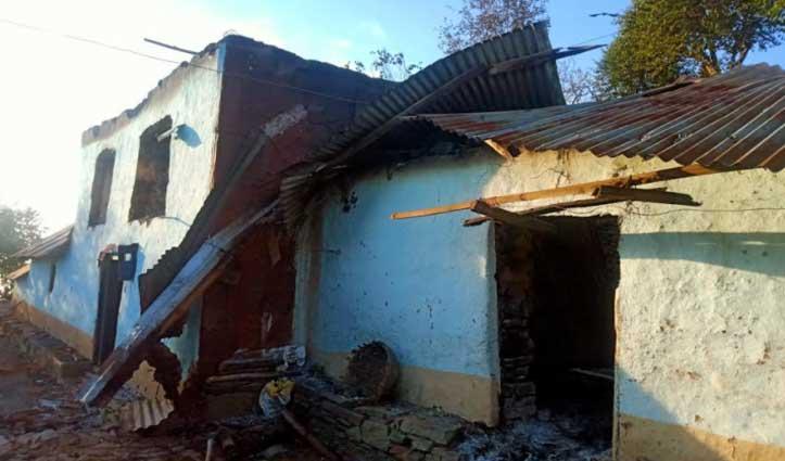 Solan: गौशाला में भड़की आग, दो गायों समेत 10 बकरियां जिंदा जली; रिहायशी मकान भी क्षतिग्रस्त