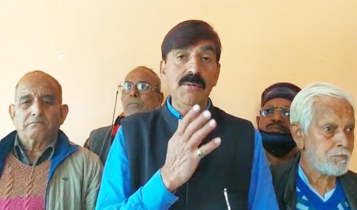 वीरभद्र के गृह विधानसभा क्षेत्र में Congress को झटका, नाराज दिग्गज नेता ने दिया इस्तीफा