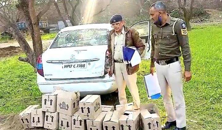 Sirmaur : पंचायत चुनाव से एक दिन पहले Paonta में देसी शराब की खेप बरामद, एक गिरफ्तार