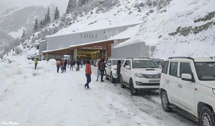 #Atal_tunnel_rohtang में पर्यटक को पीटने का एक और मामला आया सामने, SP से शिकायत