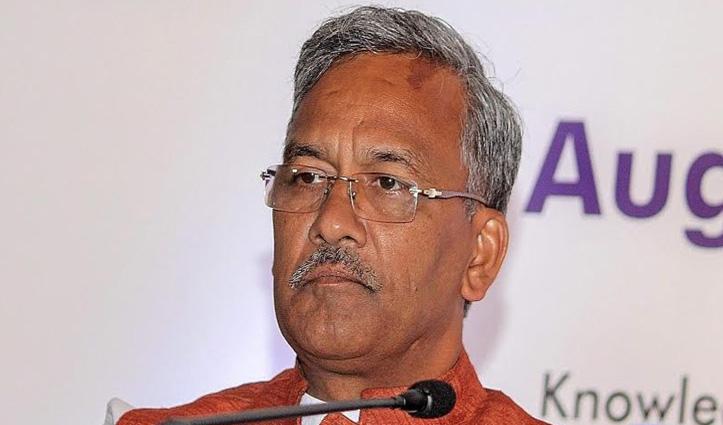 CM त्रिवेंद्र रावत ने किया कार्यालय का औचक निरीक्षण, हाल ही में मिला था सबसे खराब सीएम का तमगा