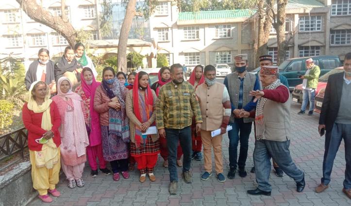 जिला परिषद के इच्छी झिकली वार्ड नंबर 9 से मोनिका देवी ने भरा नामांकन, यह होंगी प्राथमिकताएं