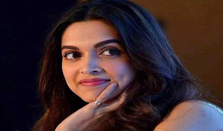 #Deepika ने पहले सोशल मीडिया से Post Delete कर सबको चौंकाया, फिर दी नए साल की बधाई