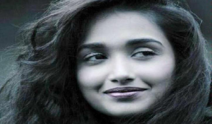 Jia Khan की बहन ने लगाए साजिद खान पर आरोप, बोलीं-टॉप उतारने के लिए कहा था