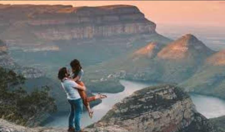 हादसे में बदल गया Romantic Proposal, हां कहते ही ऊंचाई से गिरी महिला