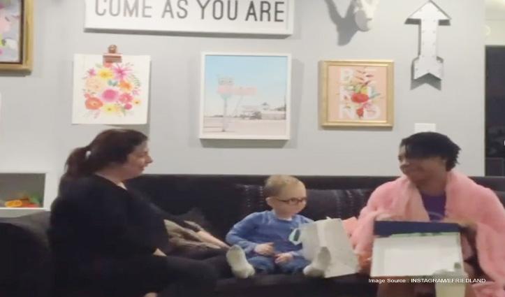 गोद ली बच्ची को जन्मदिन पर मां ने दिया ऐसा Gift, रुलाने वाला है Video