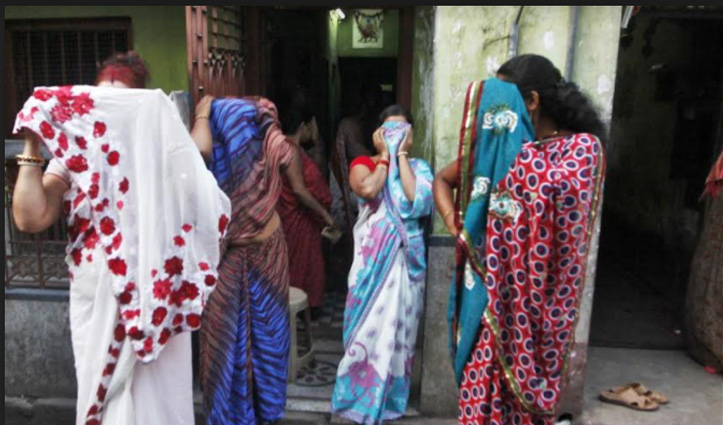 भारत की इस जगह में है एशिया का सबसे बड़ा Red Light Area, दर्द भरी है बच्चियों की कहानी