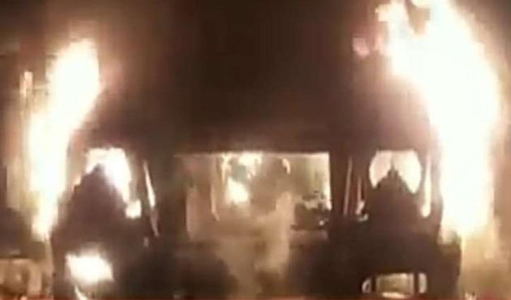 Himachal: सड़क किनारे खड़ी जीप को लगाई आग, दो पर जताया शक