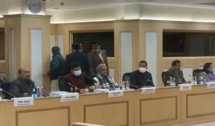 केंद्र सरकार व किसानों के बीच आठवें दौर की वार्ता भी बेनतीजा, अगली बैठक 15 January को