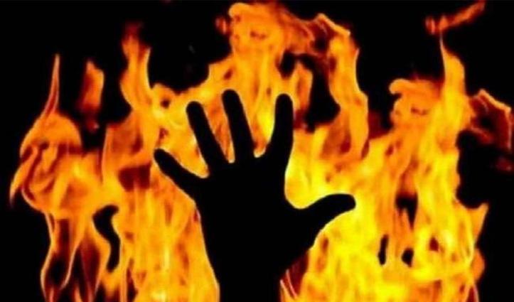 Himachal : कुल्लू में चार मंजिला भवन के एक कमरे में लगी आग, 82 वर्षीय बुजुर्ग जिंदा जला