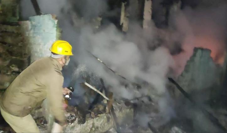 kullu की गड़सा घाटी के मकान में लगी Fire,जिंदा जल  गया एक व्यक्ति