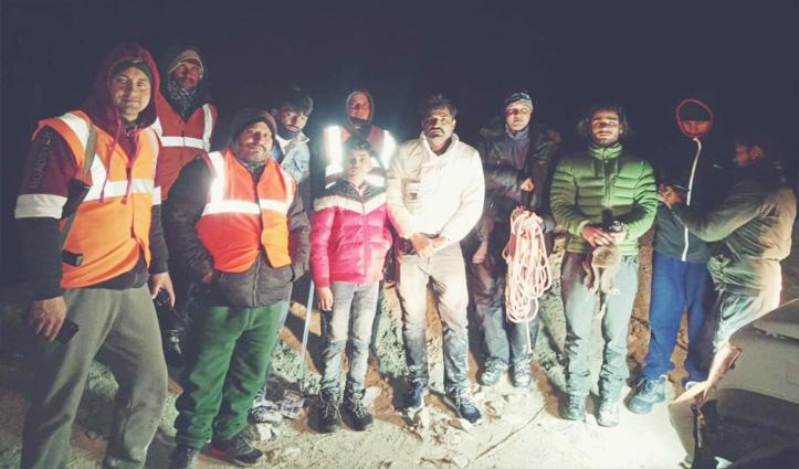 मनाली में आधी रात को हमटा के जंगल से रेस्क्यू किए दिल्ली के 3 पर्यटक