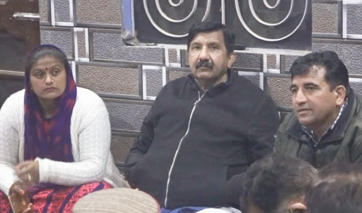 Mukesh का तंज: जयराम कागजों और फाइलों वाली सरकार, अफसरशाही भी है परेशान