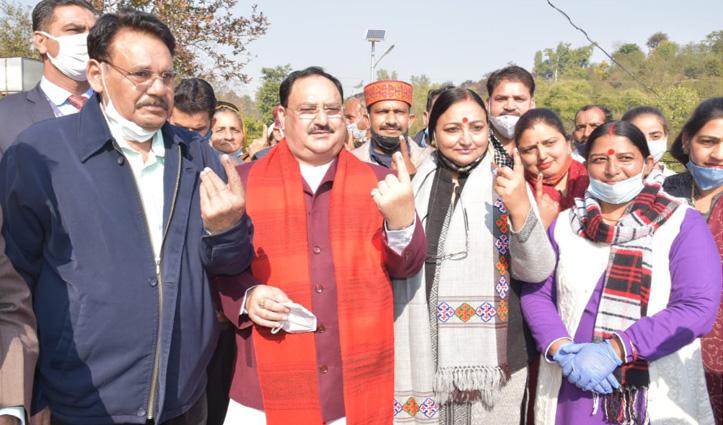 वोट डालने के बाद नड्डा  दिल्ली रवाना