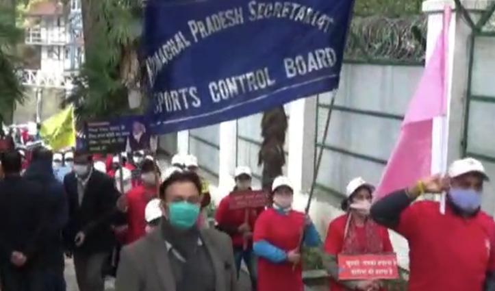 सचिवालय कर्मचारियों ने #CMJairamthakur के जन्मदिन पर दिया कोरोना बचाव का संदेश, निकाली पदयात्रा