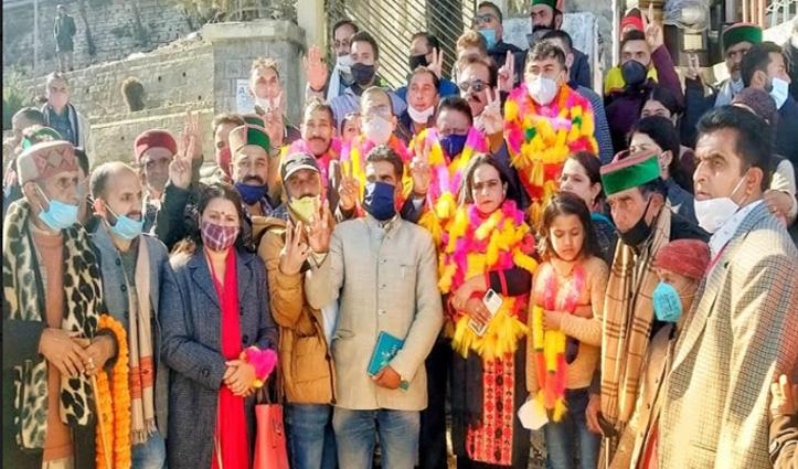 ठियोग नगर परिषद पर 25 साल बाद Congress का कब्जा, विजय जुलूस निकाला