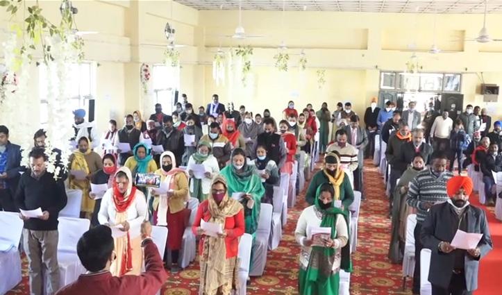 शपथ लेने के बाद पंचायती राज मंत्री ने दिया जनप्रतिनिधियों को गांव के विकास का मूल मंत्र