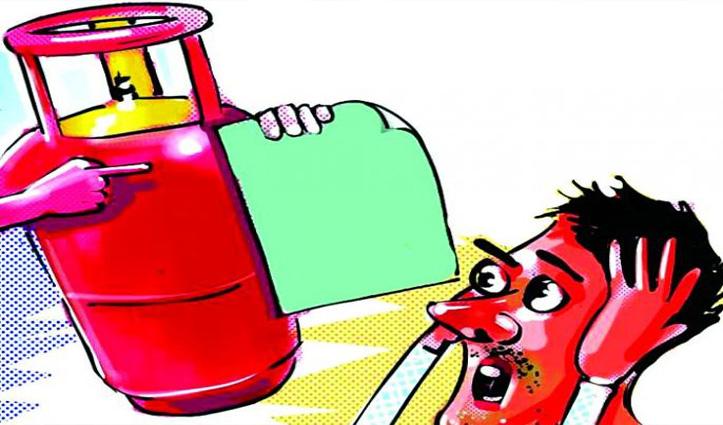 आम जनता को बड़ा झटका, फरवरी माह में तीसरी बार बढ़े LPG Cylinder के दाम