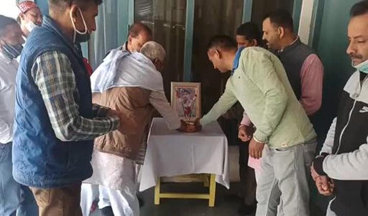 Himachal: पुलवामा शहीदों को श्रद्धांजलि, आज के ही दिन 40 जवानों ने पाई थी शहादत