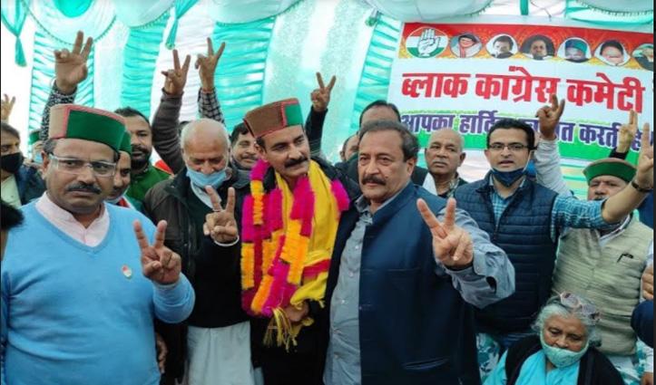 देहराः BJP के सपन अब कांग्रेस का पूरा करेंगे ख्वाब, कमल को अलविदा कह थामा हाथ