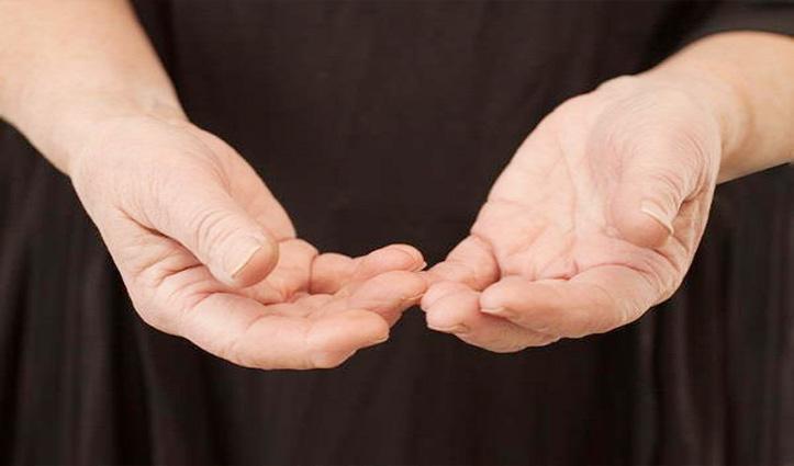सर्दियों में उंगलियों की सूजन से हैं परेशान तो राहत पाने के लिए इन्हें आजमाएं