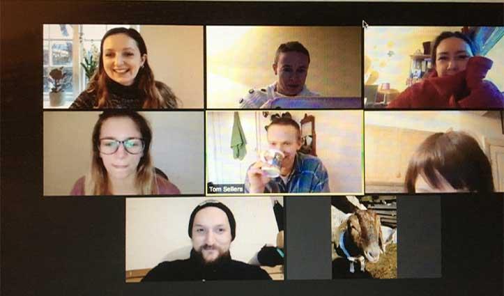 मजाक-मजाक में बकरियों ने Videocall से कमाए 50 लाख! हैरान मत हो-जानने के लिए करें क्लिक