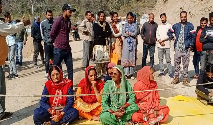 Nadda के घर में एम्स निर्माण में लगी कंपनी के खिलाफ क्यों तल्ख हुए ग्रामीण-जाने