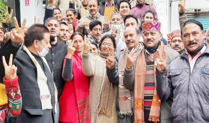 Kangra ब्लाक समिति पर बीजेपी का कब्जा, बबिता और अनिता ने हासिल की जीत