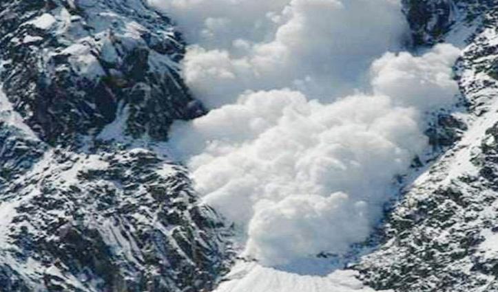 त्रिलोकीनाथ उदयपुर बाई पास मार्ग पर हिमस्खलन, सड़क ठप