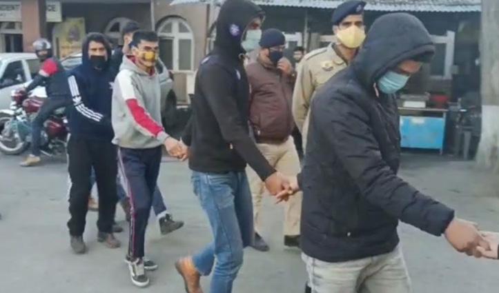 Himachal : पुरानी रंजिश के चलते 8 युवकों ने 3 को बेरहमी से पीटा, एक घायल IGMC रेफर