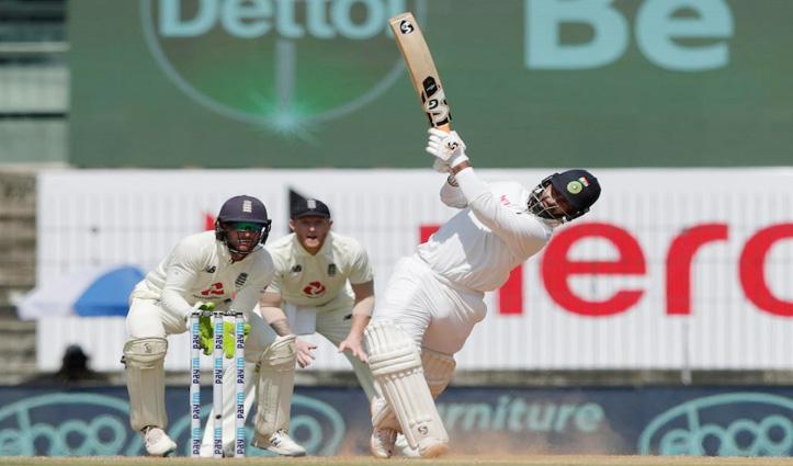 #INDvENG : भारत पर फॉलोऑन का खतरा, ऋषभ पंत ने टेस्ट मैच में खेली T-20 पारी