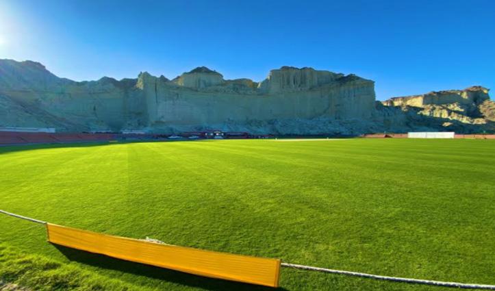 ICC के इस ट्विट के बाद भिड़ गए Ind-Pak के फैन, भारतीय शेयर कर रहे धर्मशाला स्टेडियम की तस्वीरें