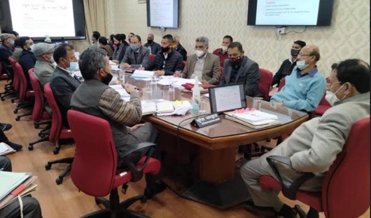 ऋण वसूली के लंबित मामलों को जल्द निपटाएं अधिकारी, सुरेश भारद्वाज ने दिए आदेश