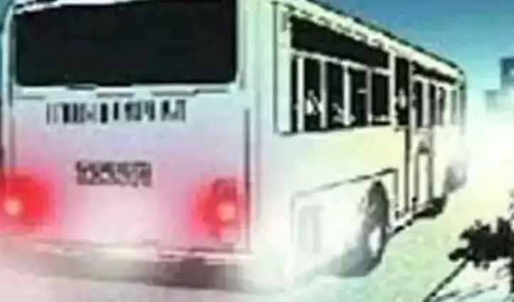 हिमाचलः चलती बस से गिरी युवतियां, एक की गई जान-एक घायल