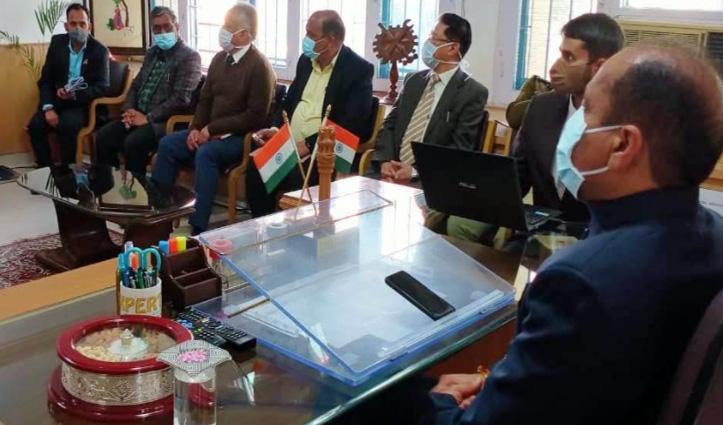 सीएम जयराम ठाकुर मंडी दौरे पर, सुंदरनगर में कोरोना को लेकर बैठक की