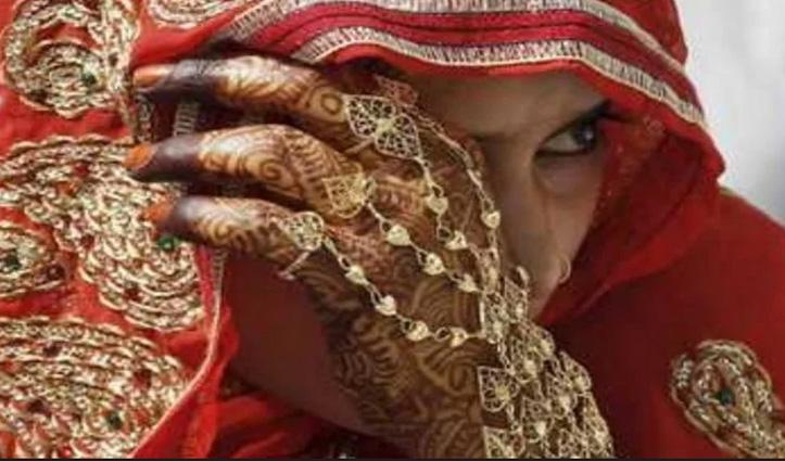 सास-बहू के झगड़े : नई दुल्हन ने इसलिए बुलाई पुलिस, क्योंकि सास उसे देती थी बासी खाना