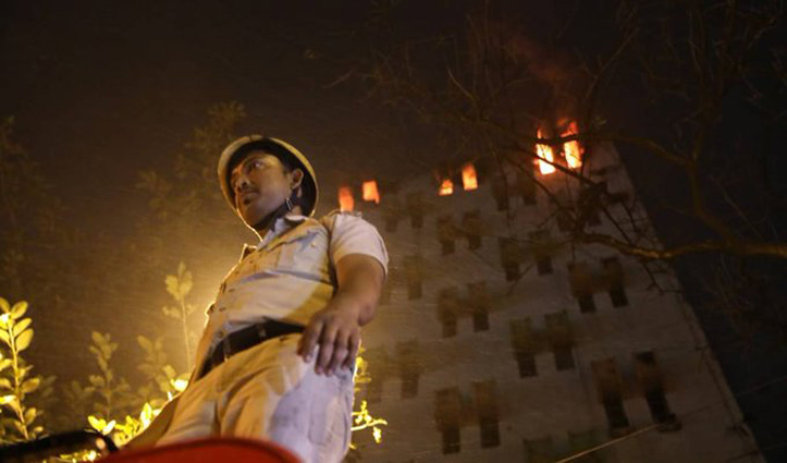 Kolkata : बहुमंजिला इमारत में भड़की आग, 9 की मौत, राष्ट्रपति-पीएम मोदी ने जताया शोक